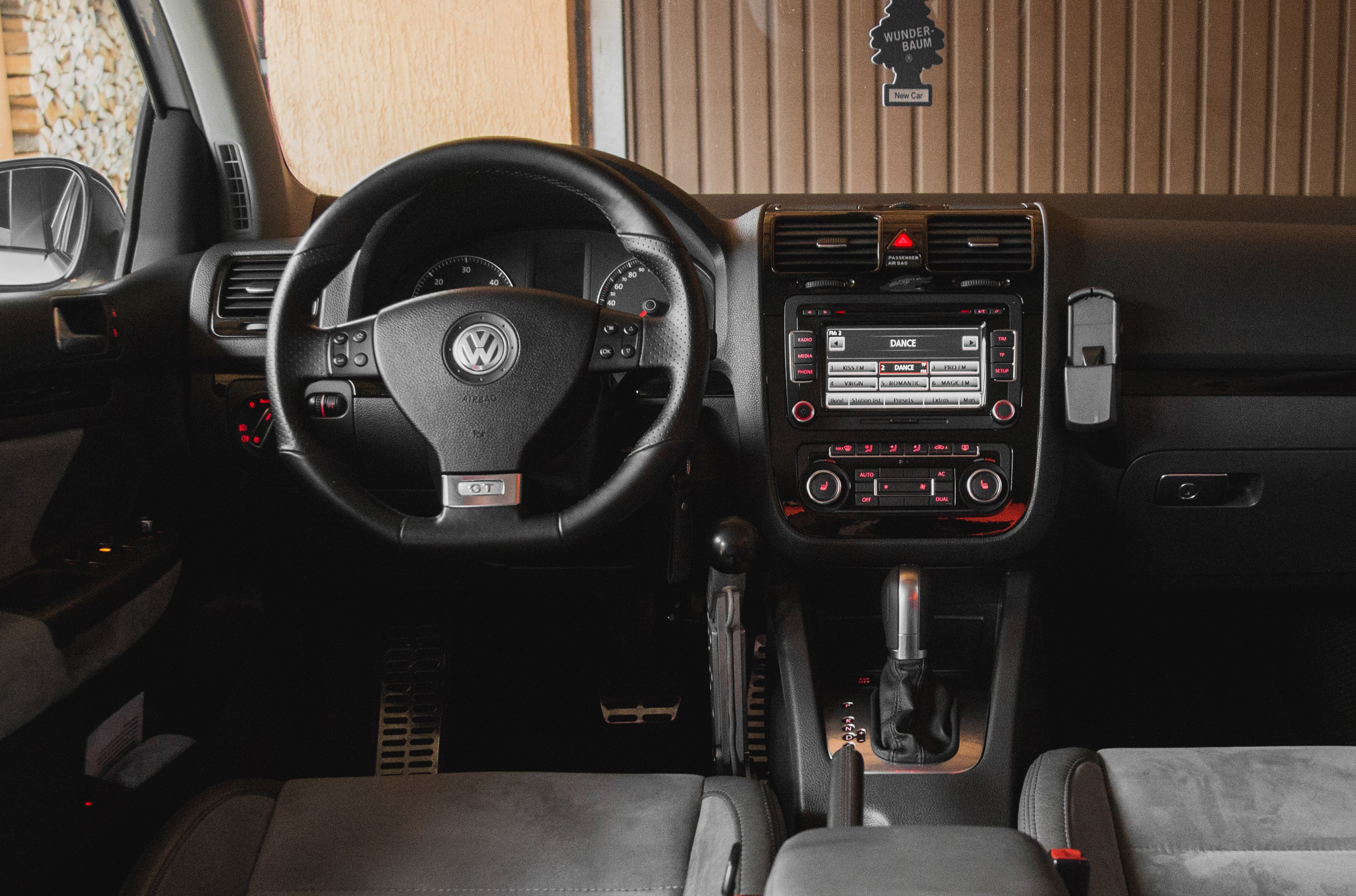 The Key Elements Of A Custom Car Stereo System Soundiego San